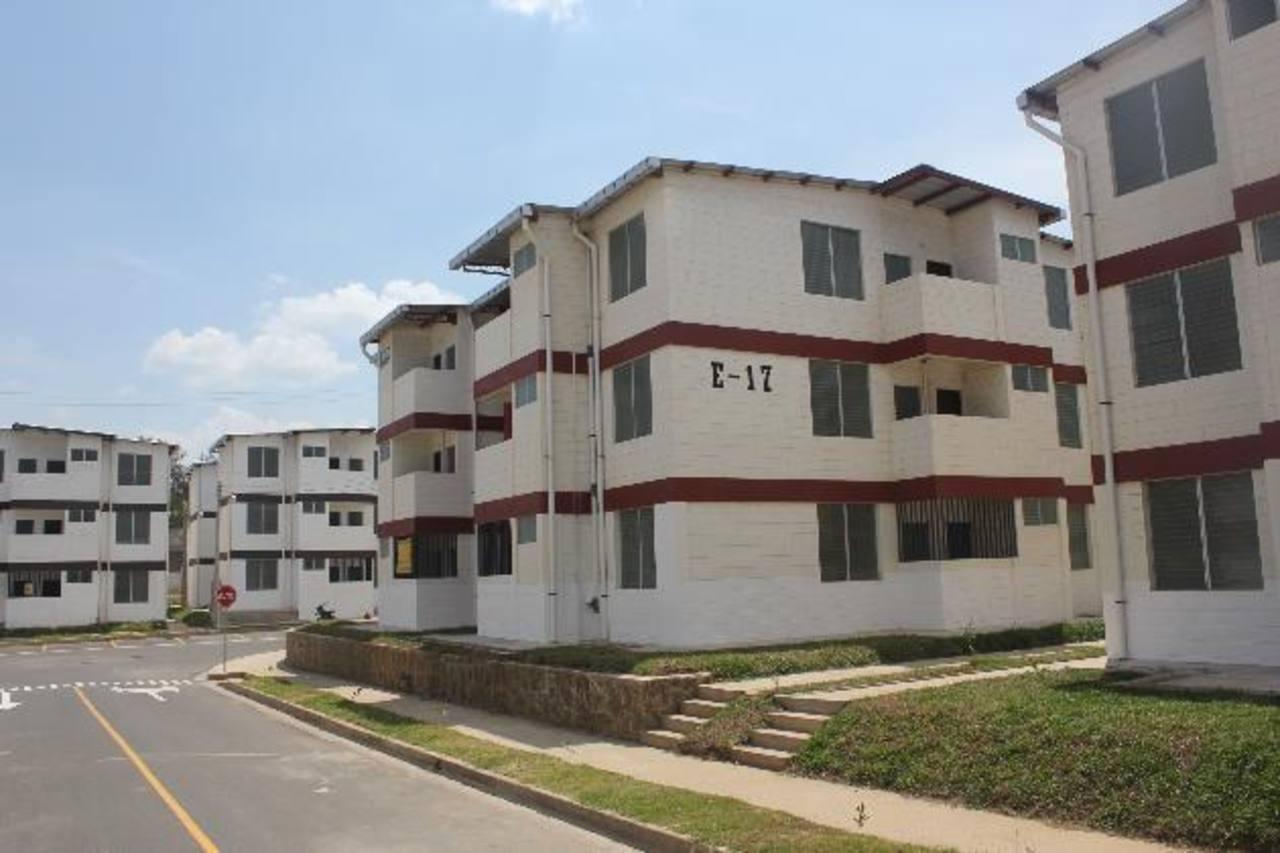 Las cuotas para vivir en apartamentos Santa Lucía, en Santa Ana, podrían ser de $73 según el FSV, pero pocos viven ahí.