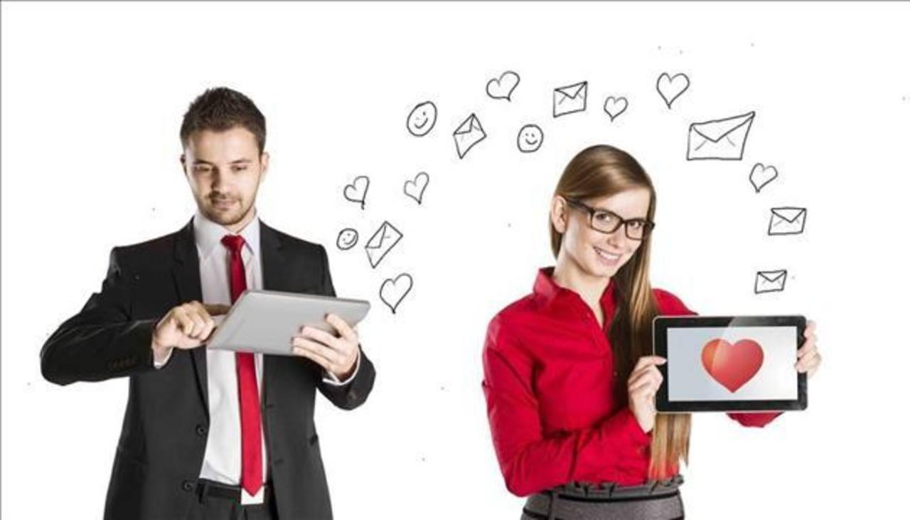 Fotografía promocional cedida por Mi media manzana, empresa que se dedica a poner en contacto a solteros.