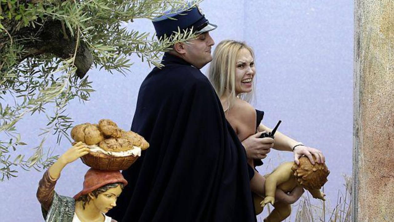 Vaticano libera a la activista de FEMEN, pero prohíbe su acceso al Estado