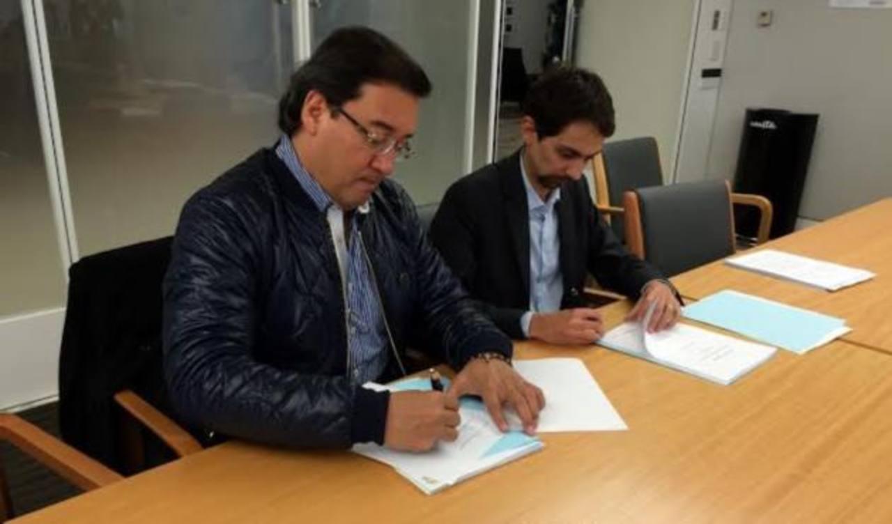 Fiscal general de la República, Luis Martínez, y Nicola Melchiotti de Enel Green Power