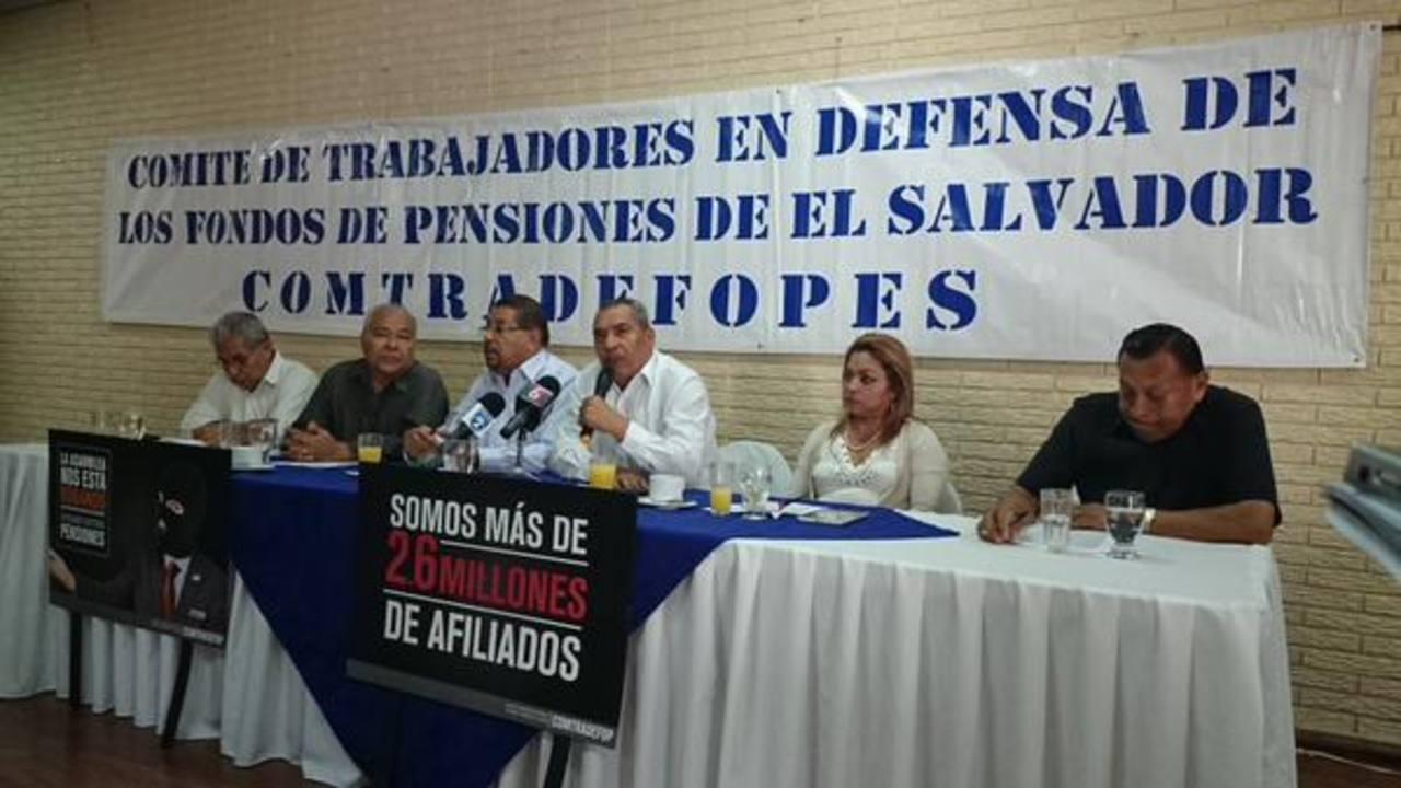 """Comité de trabajadores pide a Sánchez Cerén """"no hacer experimento con pensiones"""""""