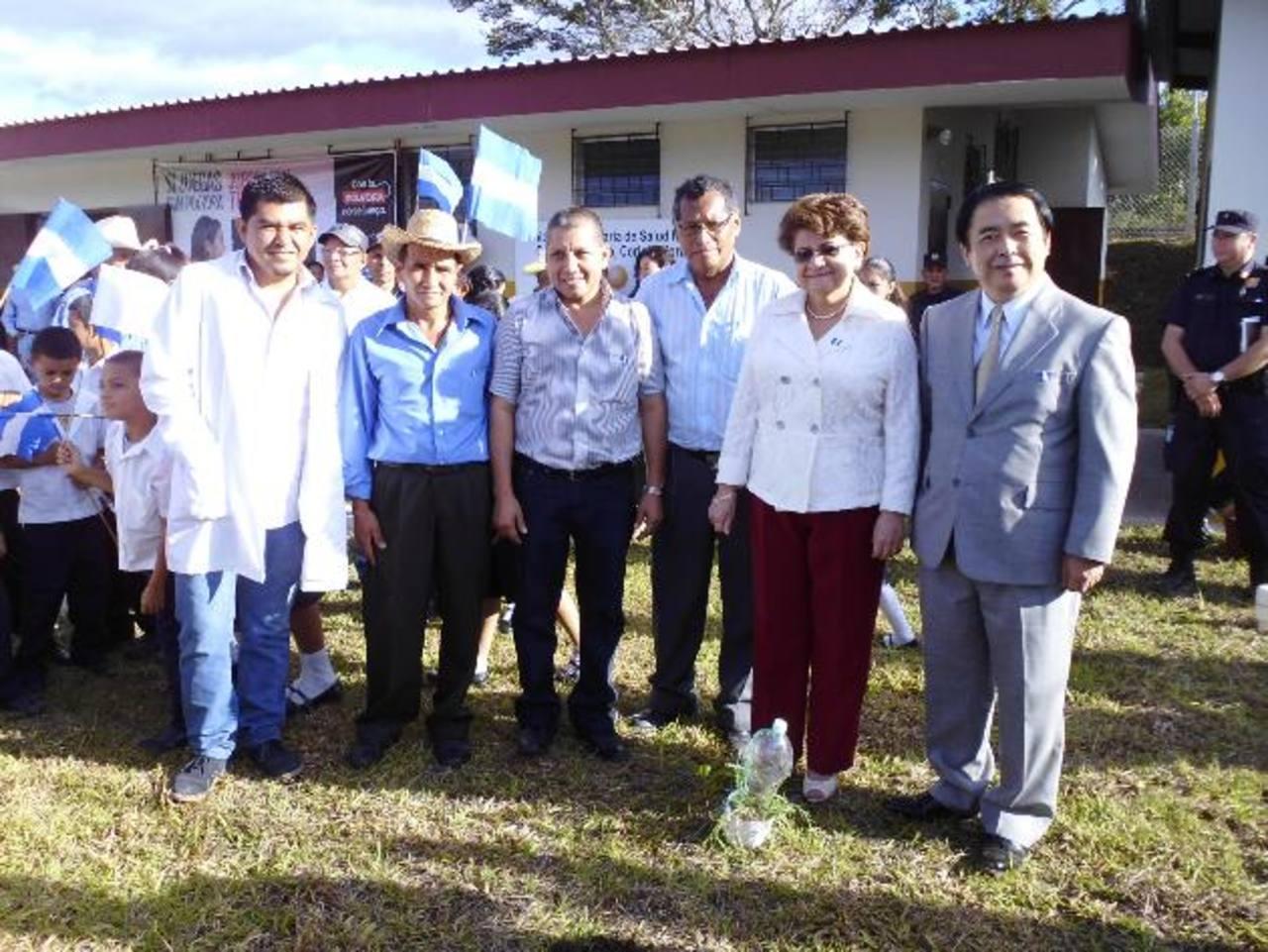 Las autoridades de Salud y de la embajada de Japón inauguraron la unidad. foto edh / CORTESÍA