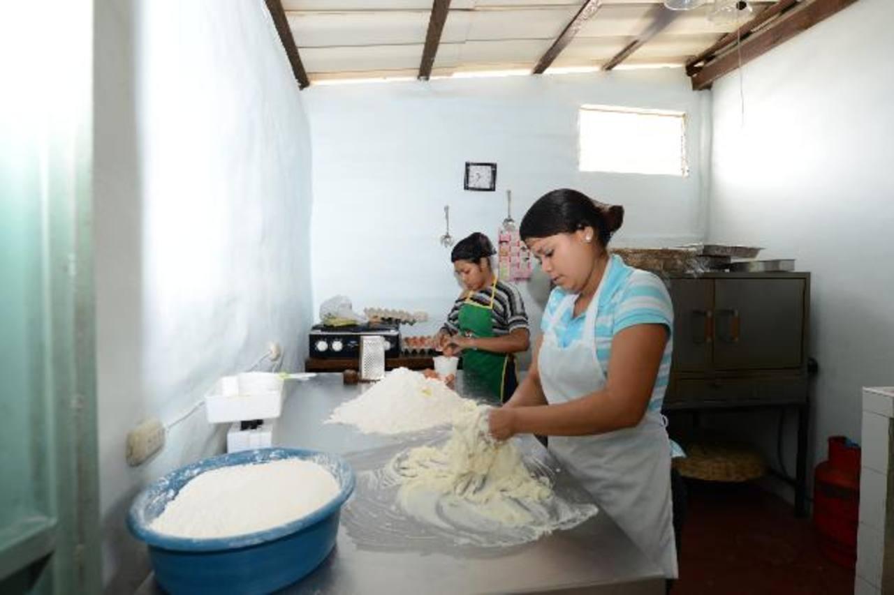 Con la iniciativa se busca generar empleo en comunidades de la zona. foto edh