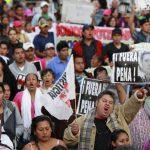 En el marco del segundo año de mandato de Peña Nieto, miles marcharon el lunes en Ciudad de México por el caso de los 43 estudiantes. EFE