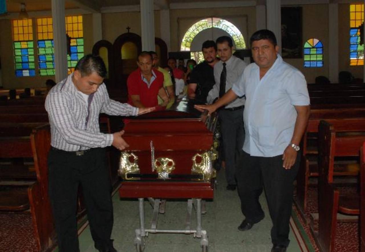 Sus restos serán llevados hoy desde La Unión a Pasaquina, en donde serán sepultados. Foto EDH / insy mendoza