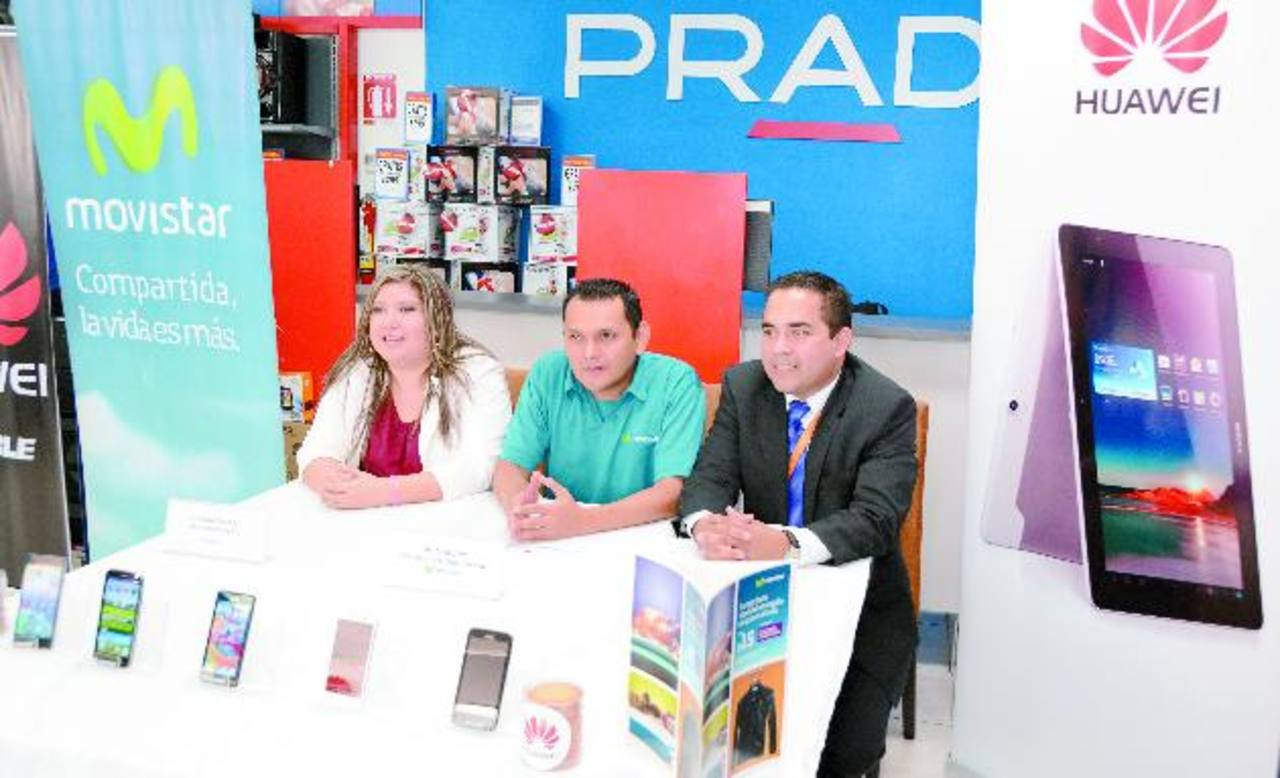 Representantes de las marcas presentaron la promoción. Foto EDH / Mario Díaz