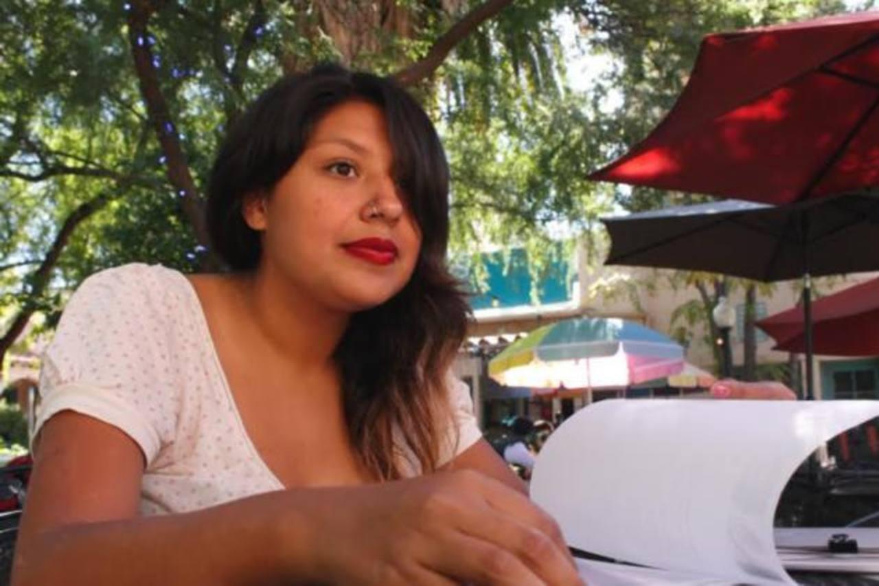 Joven salvadoreña en defensa de los indocumentados en Arizona