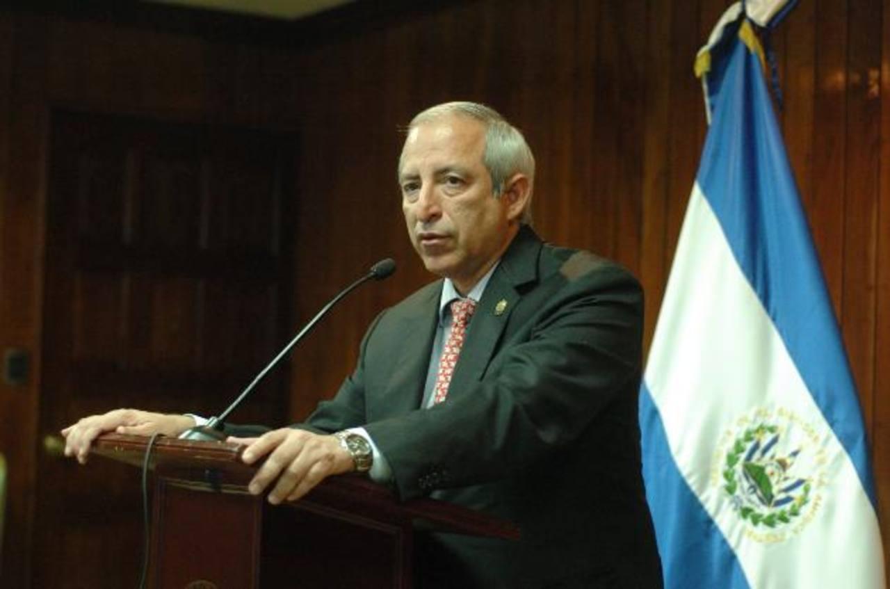 El presidente de la Asamblea, Sigfrido Reyes, es investigado también por la Fiscalía y el Tribunal de Ética. foto edh / ARCHIVO