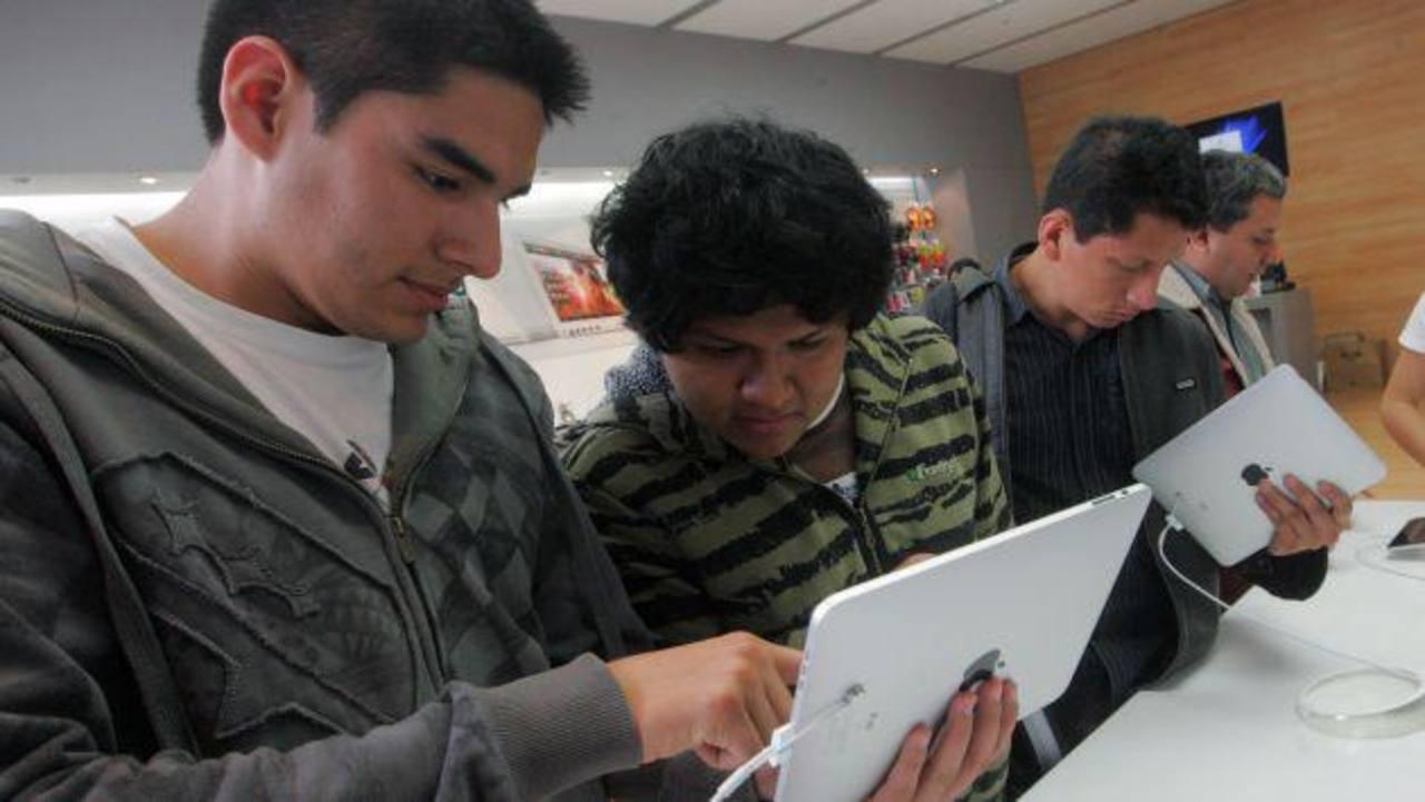 Universidad peruana obligará a estudiantes a usar el iPad en clases