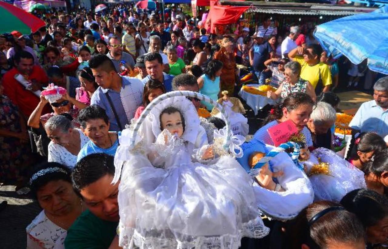 Imágenes de niños invaden Antiguo Cuscatlán