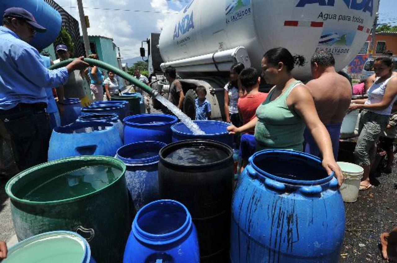 Cisternas de agua a domicilio good tapas para botellones for Cisternas de agua a domicilio