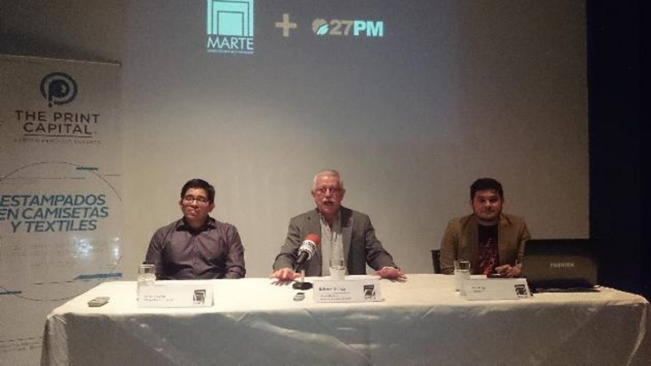 Walter Ferrufino, de Print Capital; Roberto Galicia, director del Museo Marte; e Iván Anaya, de 27PM, en conferencia. Foto EDH