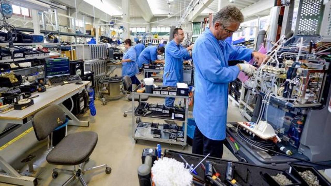 Aparte de incrementar empleos, Estados Unidos ha incrementado salarios este año. foto edh