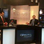 El diputado Medardo González (Der.) y Romeo Lemus durante la entrevista Hechos, de Canal 12. foto edh / CORTESÍA