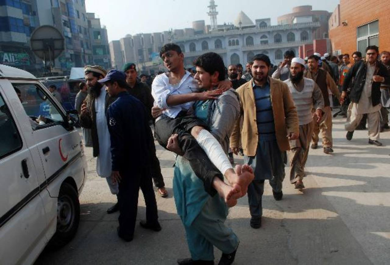 126 muertos en ataque a una escuela en Pakistán