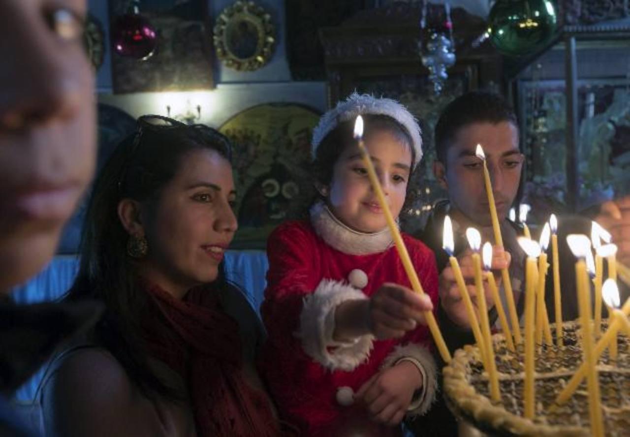 Fieles acuden a Belén para Navidad