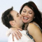 Abrazar reduce la infidelidad en la pareja
