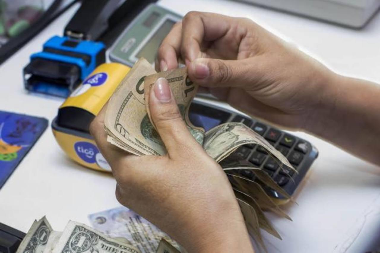 Tigo Money es uno de los servicios digitales a los cuales la empresa seguirá apostando en 2016. Foto EDH