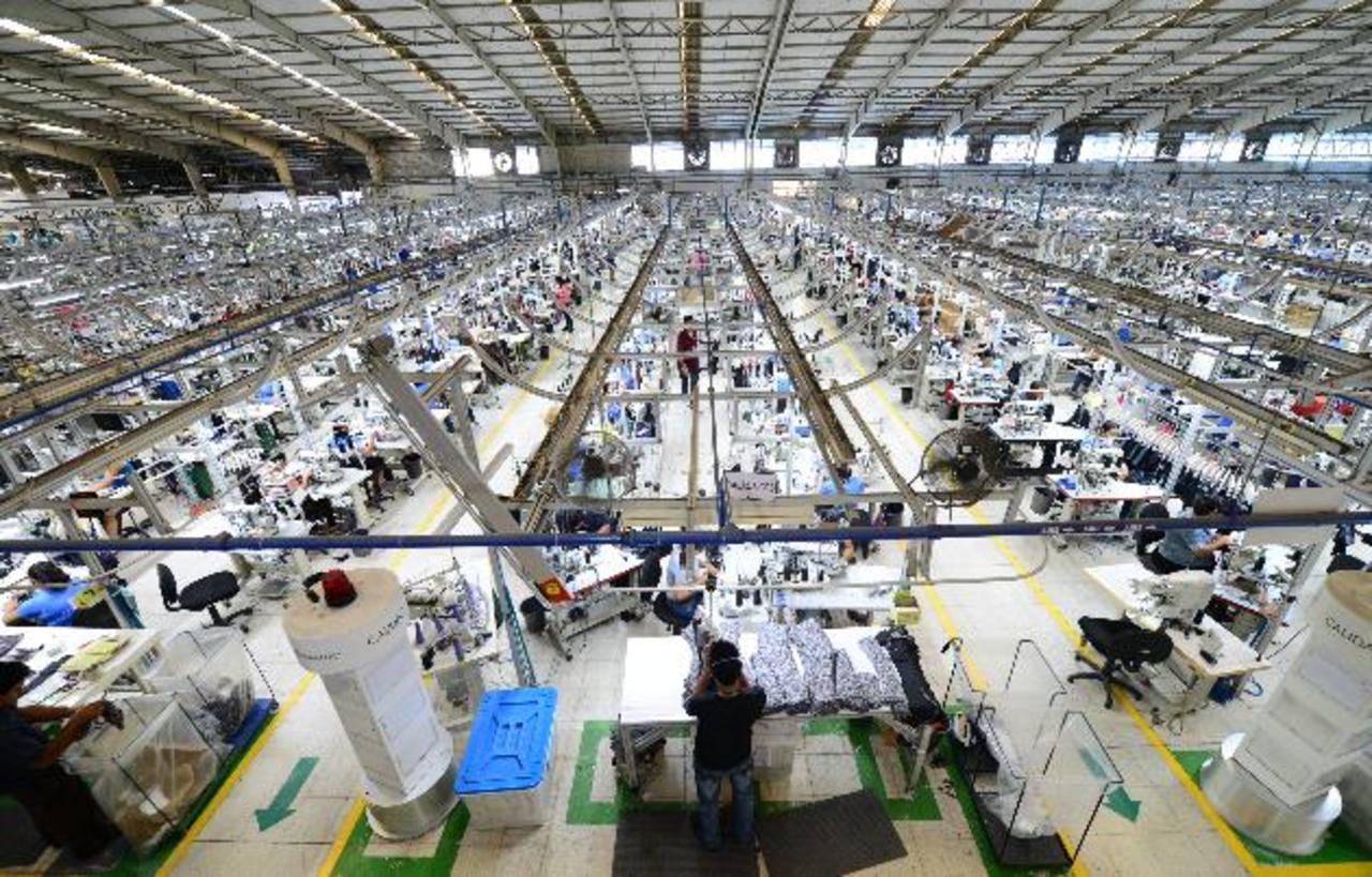 Panorámica de la planta de producción de Textiles Opico, que emplea a cerca de 1,000 personas en sus diferentes áreas. Foto de Expansión / Mauricio Cáceres.