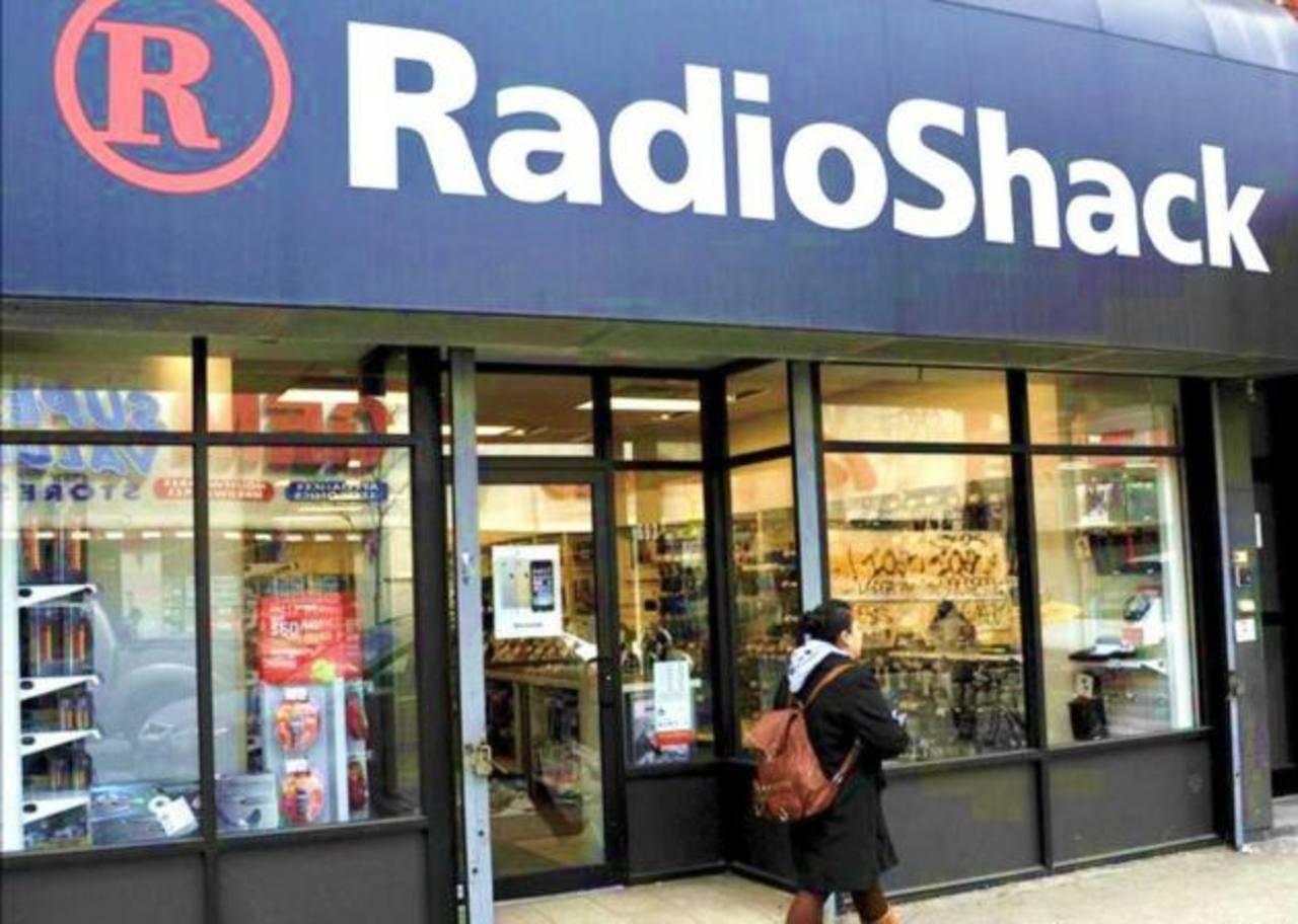 RadioShack comenzará un plan de recolocación de algunos de sus 4.000 establecimientos a través de dos de sus mayores accionistas, Sprint y General Wireless
