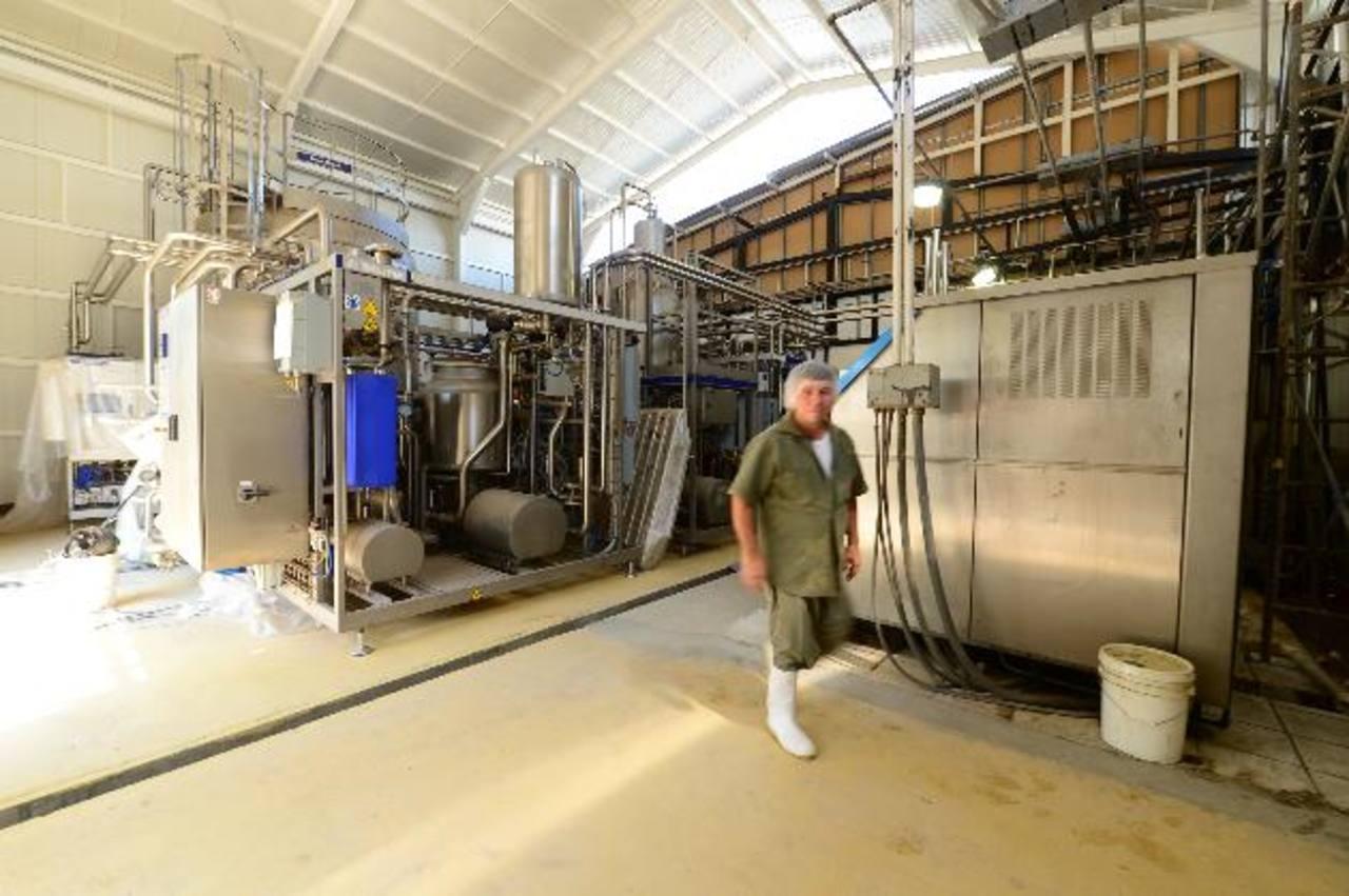 La planta tendrá capacidad para ultrapasteurizar 20 mil litros de leche por hora, duplicando la producción de la maquinaria actual.