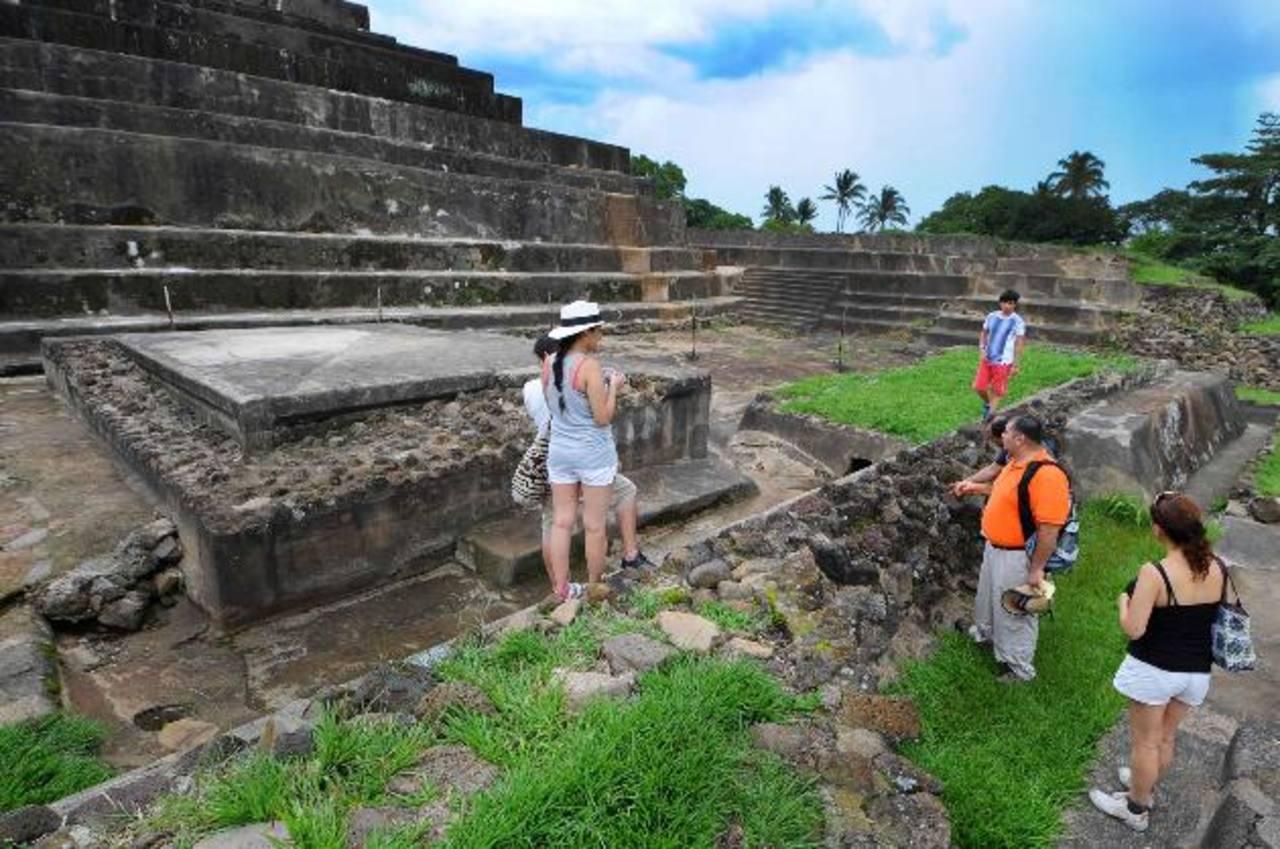 Los touroperadores aprovechan la llegada de turistas de negocios para comercializar los destinos de playa, montaña, arqueológicos e históricos de El Salvador.