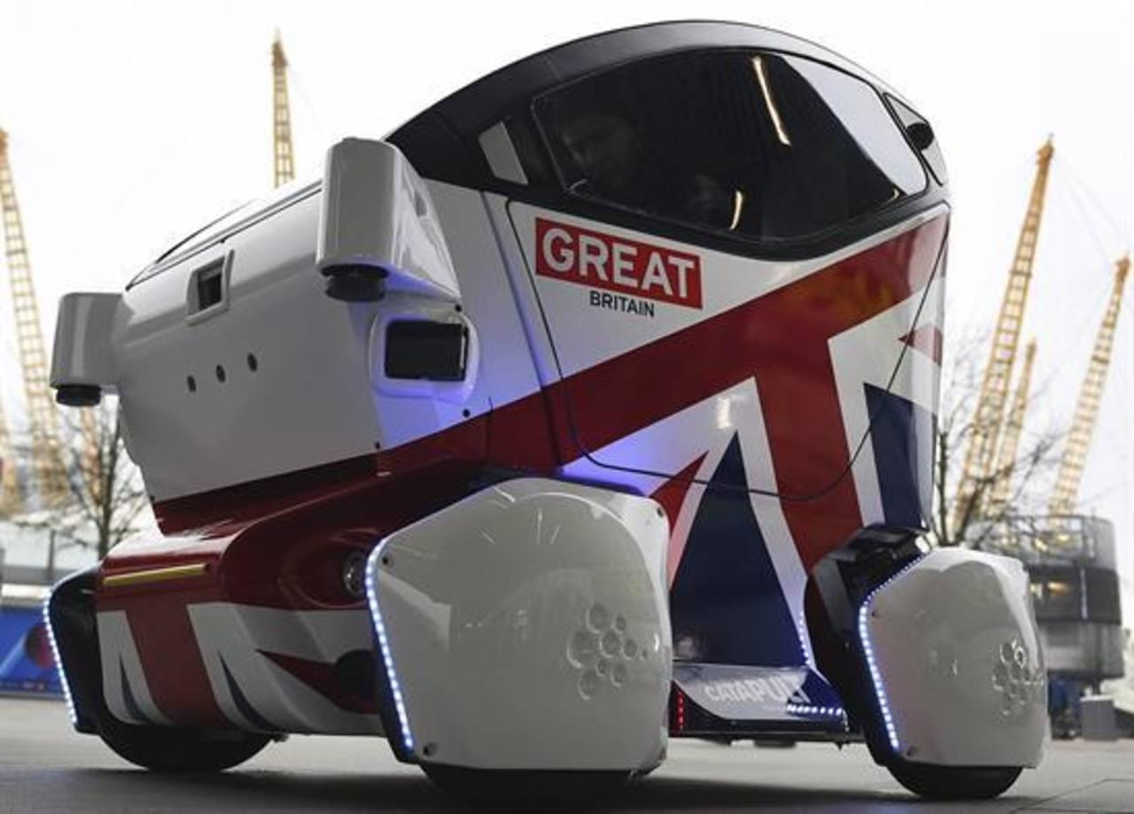 Vista del vehículo autónomo Lutz Pathfinder durante su presentación en Londres, Reino Unido, hoy, 11 de febrero de 2015.