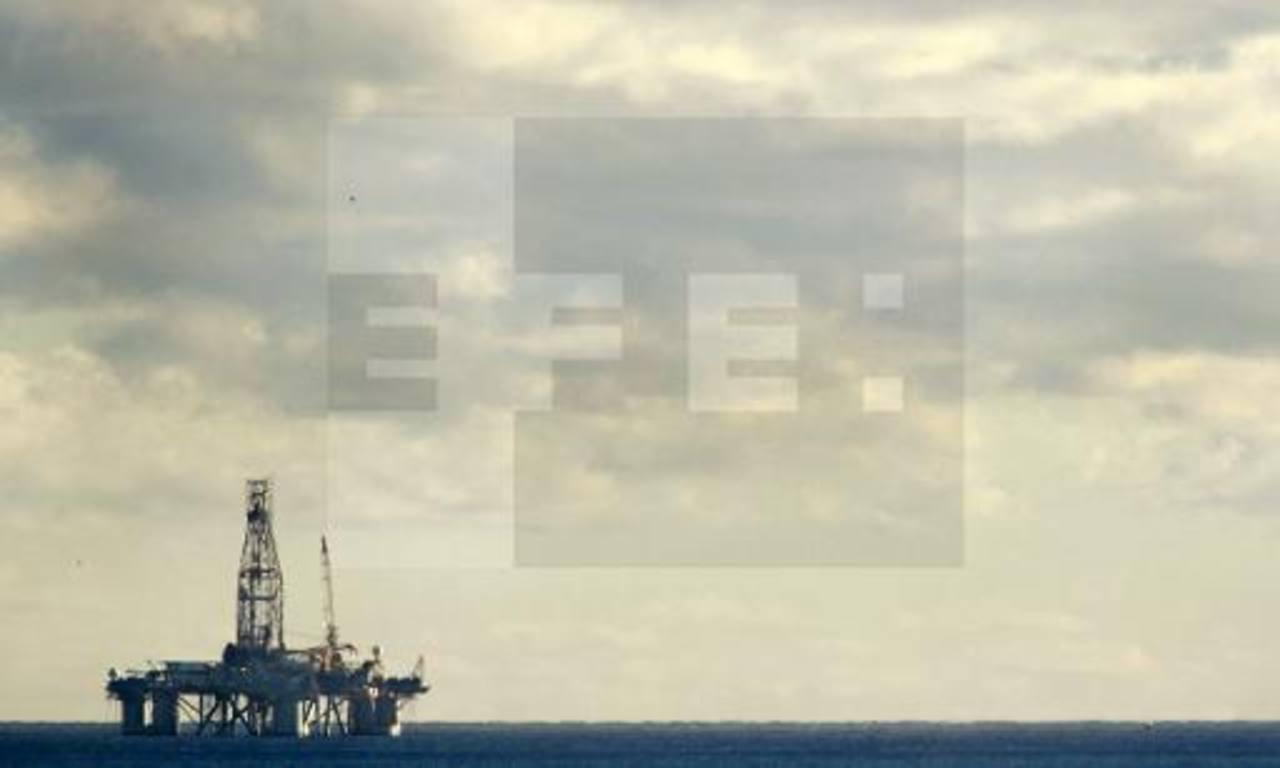 Estados Unidos importó 9 millones de barriles diarios en el 2013, de unos 80 países, según la Administración de Información Energética.