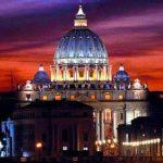 El Vaticano recibió fuertes críticas por un video con una actriz italiana.