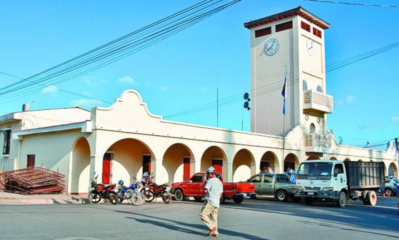 La alcaldía de Atiquizaya ha iniciado el proceso de licitación para instalar 37 cámaras. Foto EDH Cristian Diaz