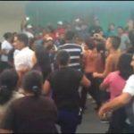 Seguidores del FMLN agredieron a vecinos de comunidad monseñor Romero tras reunión con alcaldesa. Foto EDH / Cortesía.