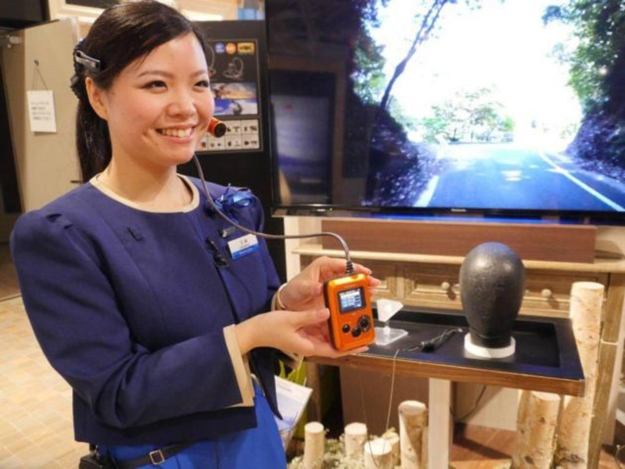 La nueva cámara de la marca Panasonic, manos libres, pesa solo tres gramos. Foto EDH / Cortesía