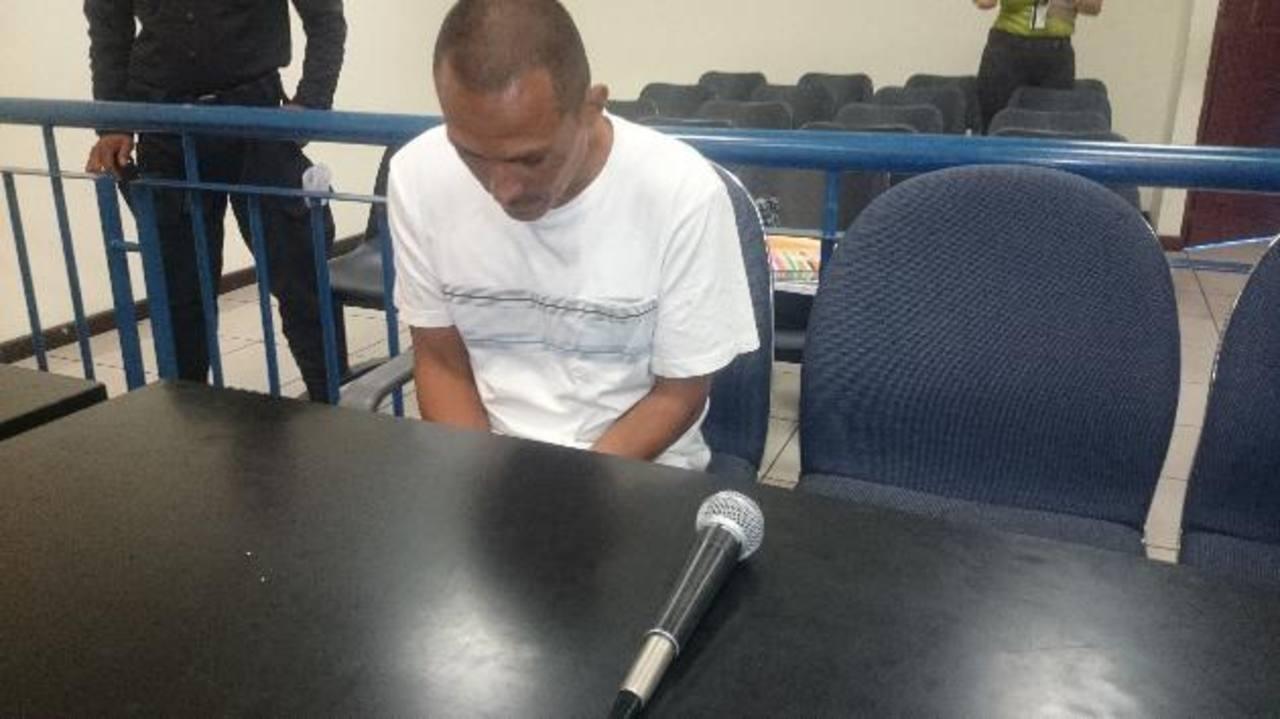 Moisés Acosta Pérez, de 33 años, un vendedor ambulante, fue condenado por tocar y lesionar a dos jóvenes. Foto EDH/ Archivo