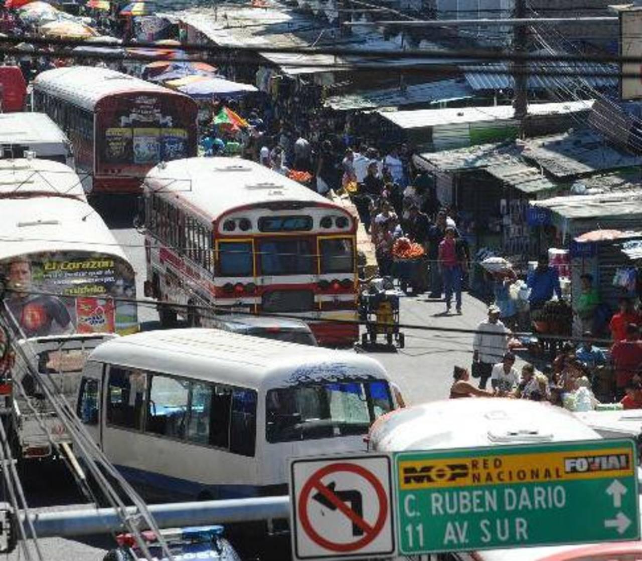 Advierten a policías no frecuentar bares del centro de San Salvador