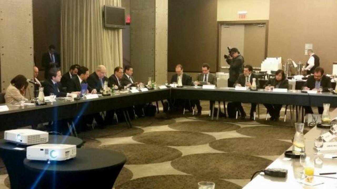 Las delegaciones del Triángulo Norte de C.A. se reunieron dos días en la sede del BID en Washington . foto edh / Tomás Guevara