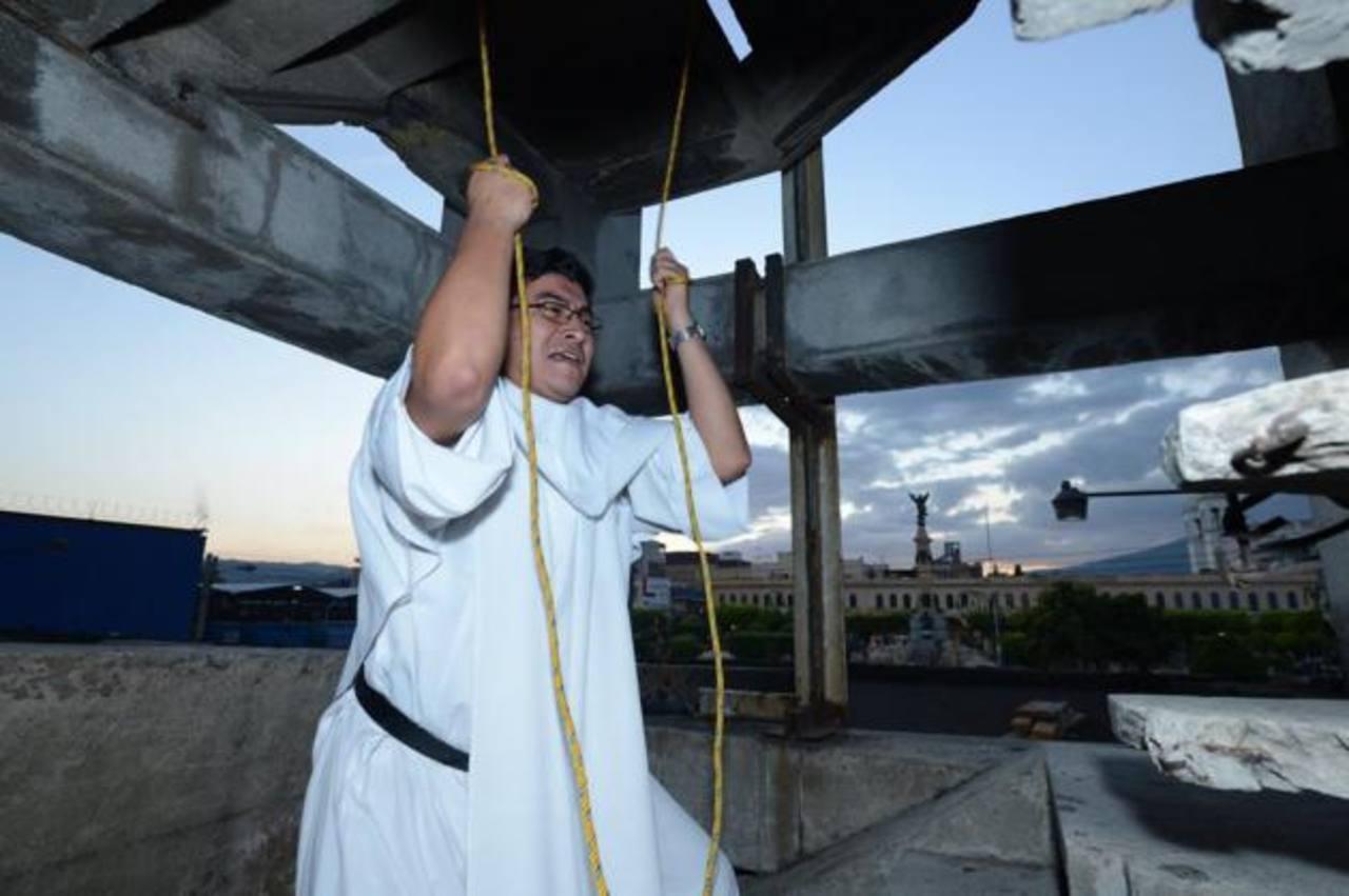 Hicieron sonar las campanas de Catedral Metropolitana. /