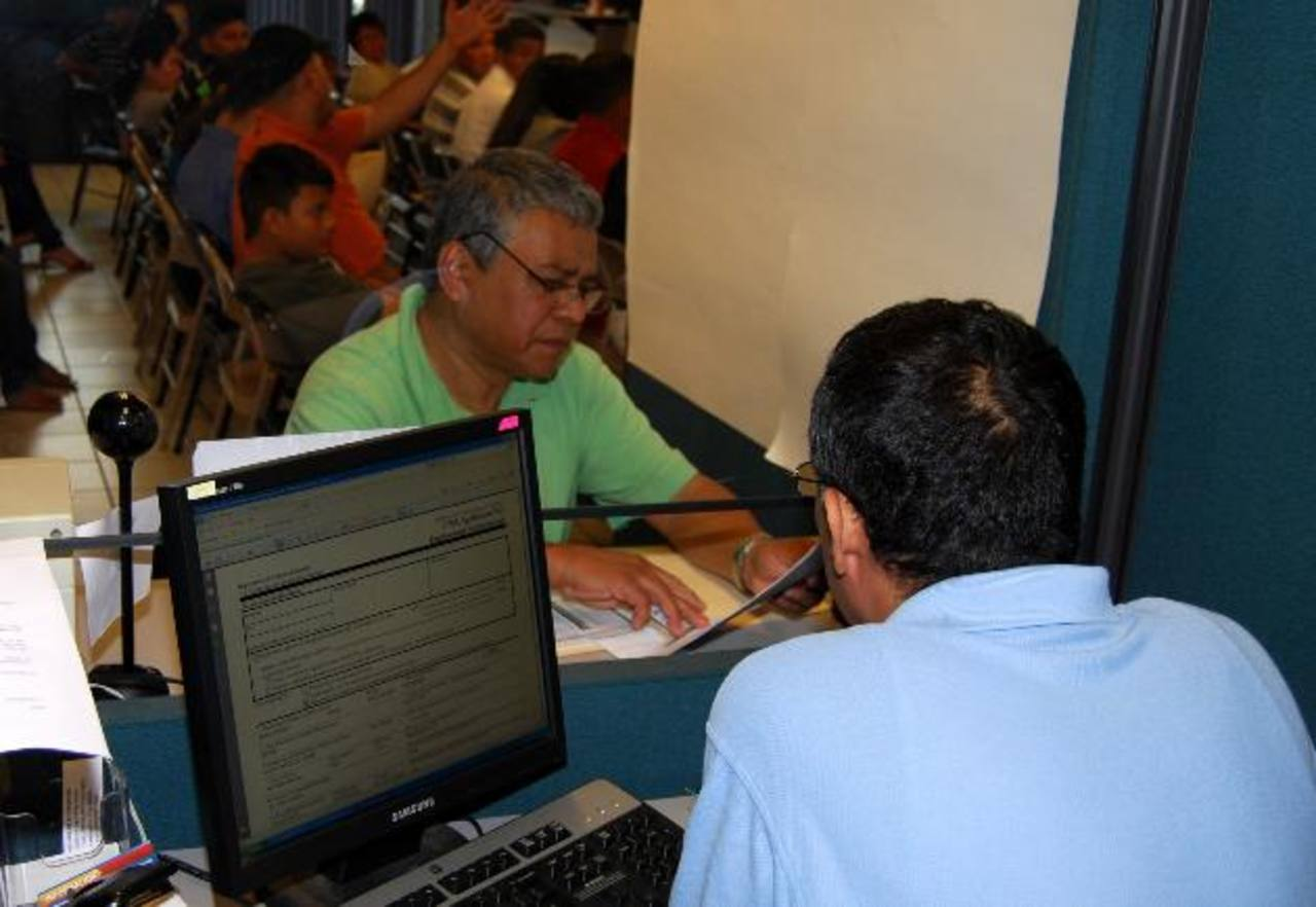 ¿Ya conoces los horarios de consulados para reinscribirte al TPS?