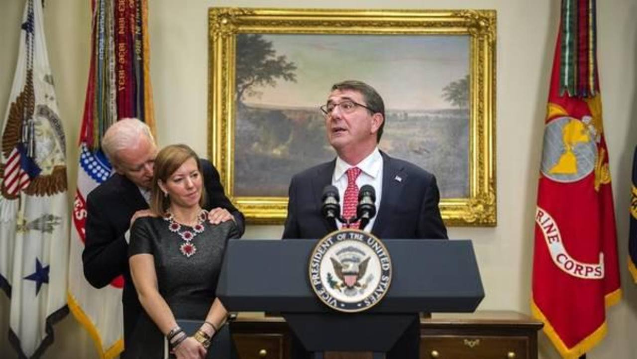 Foto de Biden con esposa de ministro causa polémica en las redes