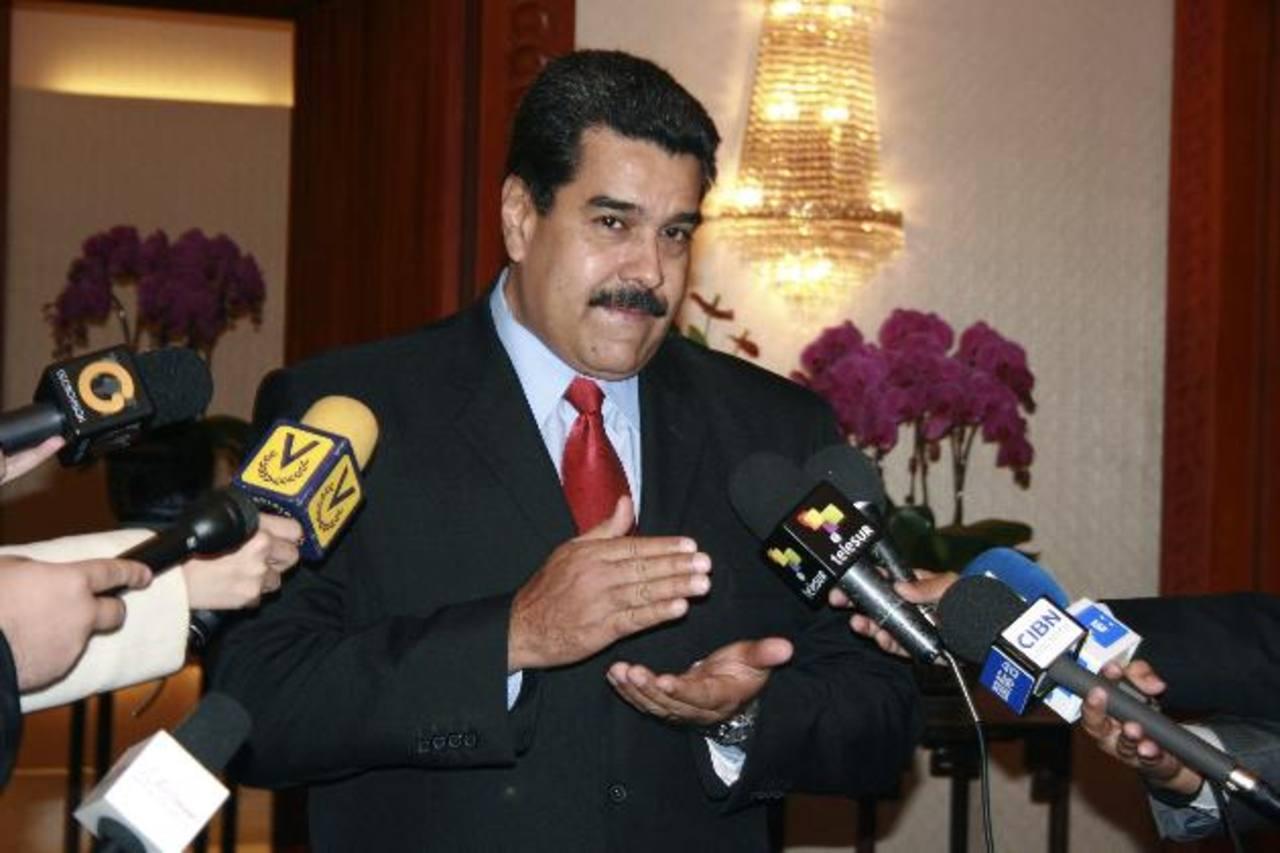 Maduro busca a México ante crisis de petróleo