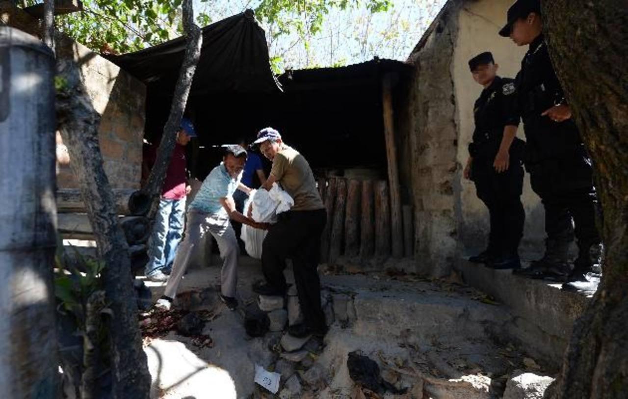 El crimen ocurrió en el cantón La Cruz Abajo, de San Pedro Perulapán, en Cuscatlán, la madrugada de ayer, informó la Policía. Foto EDH / Jaime Anaya