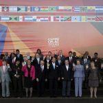 Salvador Sánchez Cerén, Juan Manuel Santos (Colombia), Evo Morales (Bolivia), Hope Stachan (Bahamas) y Raúl Castro (Cuba). AP