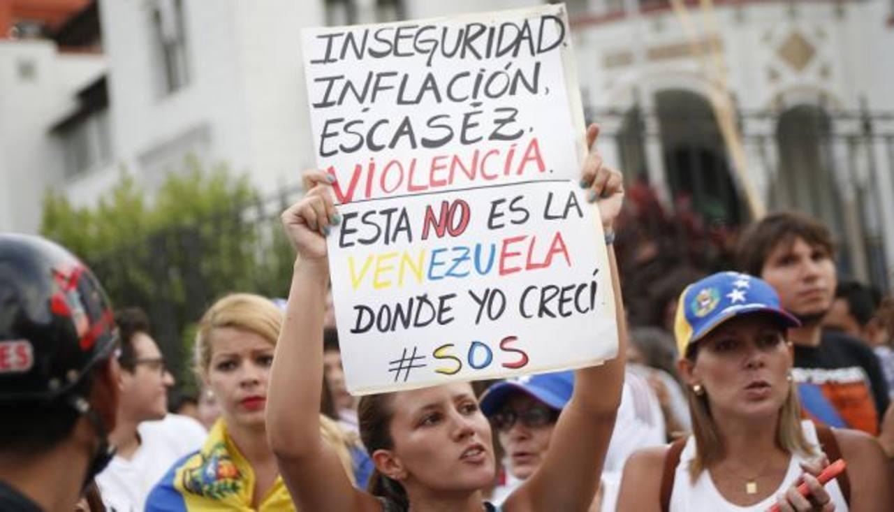 Imagen de 2014 de una protesta para expresar su rechazo a la violencia que azota a Venezuela. foto edh / tomada de peru21.pe/