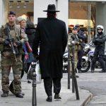 Francia movilizará a 10 mil militares mientras busca a cómplices de atentados