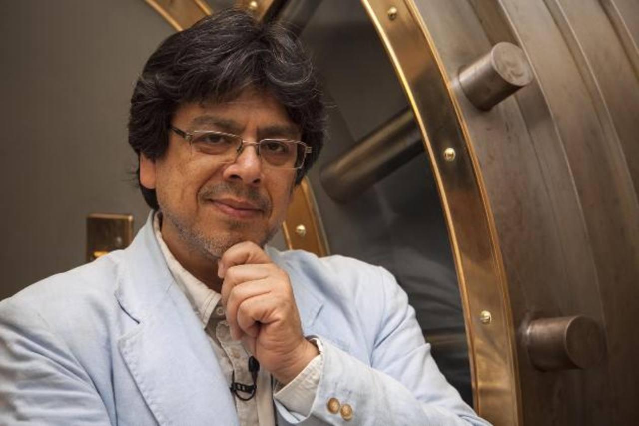 El ensayista peruano Fernando Iwasaki es el ganador del Premio Don Quijote de Periodismo.