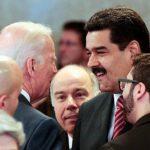Biden y Maduro conversan en Brasilia el pasado 1 de enero. AP