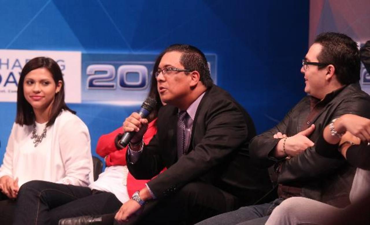 Jóvenes de diferentes organizaciones se dieron cita en Shaping Davos El Salvador para debatir y dialogar. Foto EDH