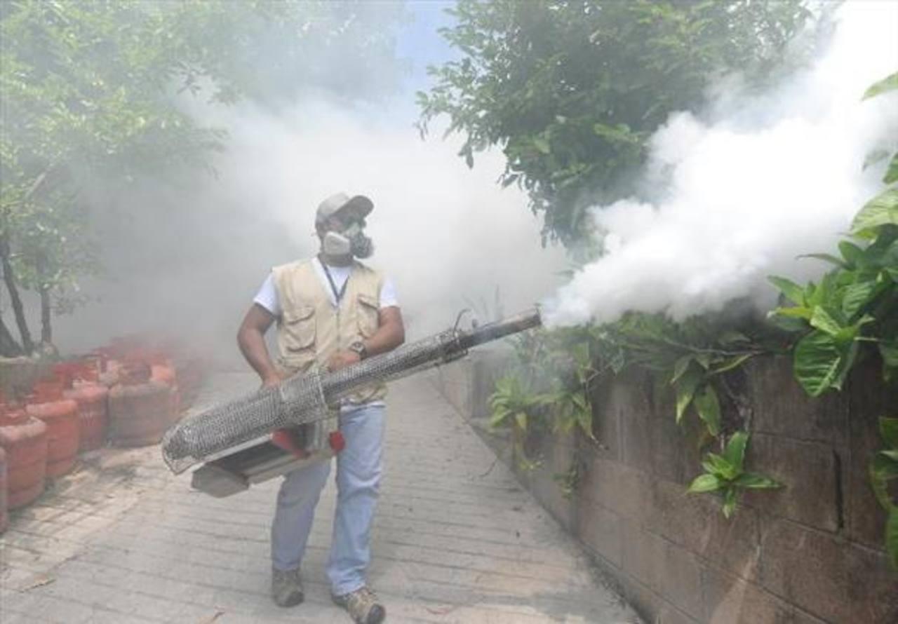 Declaran alerta verde por dengue y chikunguña en 11 municipios de San Salvador