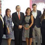 Representantes de Microsoft, Dell, UFG y Grupo Calleja celebraron el acuerdo en pro de la educación. foto edh / Marlon manzano