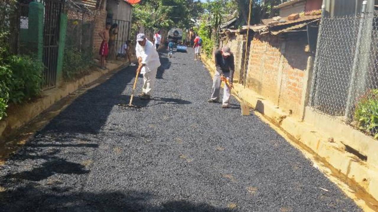 Más de mil 500 familias serán favorecidas con la pavimentación de las calles de la colonia Zacamil y otras arterias aledañas. Foto/ EDH Roberto Díaz Zambrano