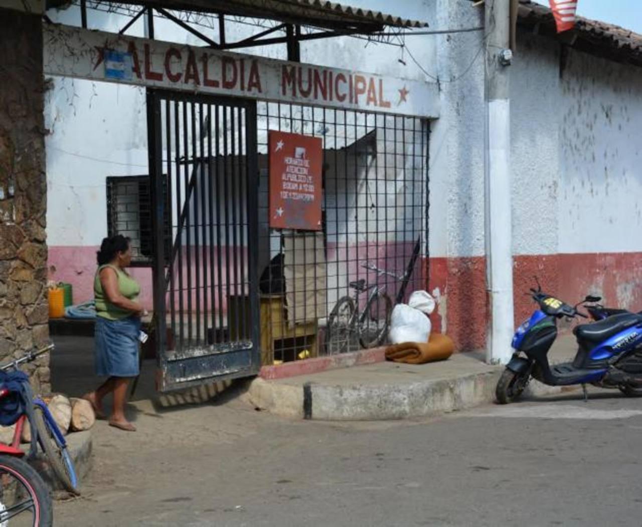 Mientras no les cancelen el salario la medida que han adoptado los agremiados es por tiempo indefinido. Foto EDH / Iris Lima